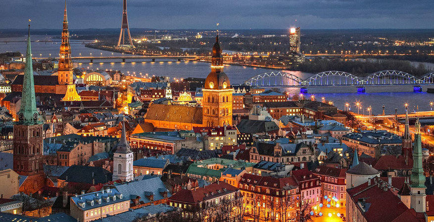 Riga_night_land